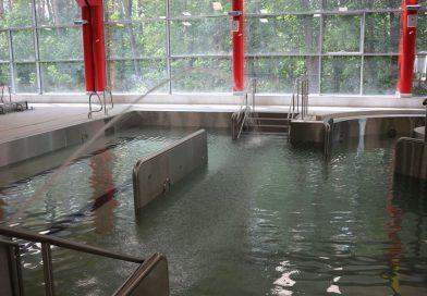 TOMASZÓW Próbne napełnianie niecki basenowej