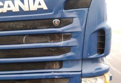 DĄBROWA TOMASZOWSKA Nietrzeźwy potrącony przez ciężarówkę