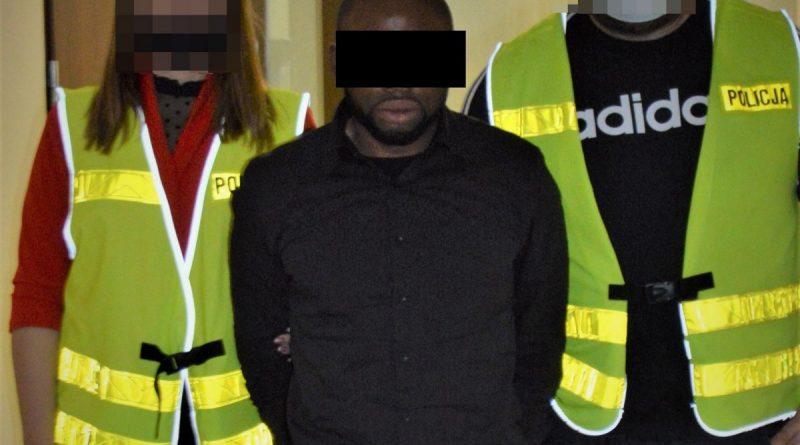 Tomaszowscy policjanci zatrzymali na gorącym uczynku 36-letniego obywatela Nigerii