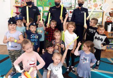 TOMASZÓW Spotkanie policjantów z przedszkolakami